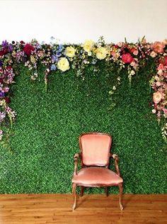 Aprenda os truques mais fáceis para deixar a decoração da sua festa ainda mais linda, e barata! use e abuse das flores, muro inglês de tecido, mesa cavalete e muito maisf