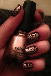 Polish Off the Bottle: Stamping Success with MASH 26-50 Plates/This image is from MASH plate 40, and it's a large swirl pattern (stamped with China Glaze's Poetic).  It looks more like interlinked circles with three stamp coats, but I think it's pretty cool!  Plus, it was very forgiving with my little mistakes along the way.