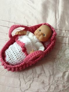 Crocheted dolls Moses Basket/carry cot/crib by HandKnittedbyme