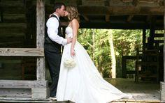 {Consider Having a Southern Plantation Wedding} || The Pink Bride