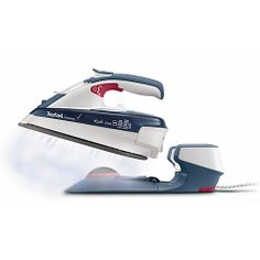 With the Tefal Freemove Cordless Steam Iron, you can breeze through your ironing, put your feet up and enjoy the Christmas TV!