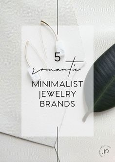 Weather you are a true minimalist or (like me) a hopeless romantic at heart, this list of minimal jewelry brands will get you all dreamy about updating your jewelry drawer. Minimal Jewelry, Simple Jewelry, Simple Wedding Bands, Jewelry Drawer, Minimalist Wardrobe, Christian Jewelry, Minimalist Necklace, Quartz Ring, Modern Bohemian