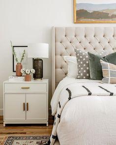 Relaxing Master Bedroom, Warm Bedroom, Modern Master Bedroom, Modern Bedroom Decor, Master Bedroom Design, Home Bedroom, Modern Decor, Casual Bedroom, California Bedroom