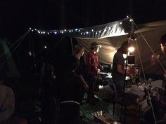 降谷建志バンドプロジェクト始まって、 初のFOHデビュー! 雨の中、集まってくれた GOOUT CAMPファンの皆様、 ありがとうございました! ライブ後に食べたスペアリブは最高でした! #降谷建志 #野外の#桜井食堂 Concert, Twitter, Concerts