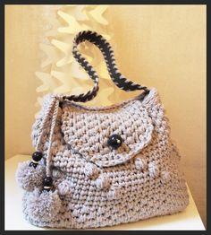 Le borse di Sissi, creazioni in lana e fettuccia