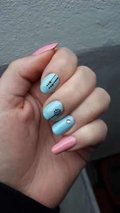 baby blue and pink nails
