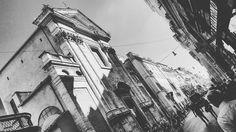 Cut off.  #blackandwhite #biancoenero #bnw #bnw_captures #bw #bnw_life #love #photo #instagram #bnw_society #blackandwhitephotography #photography #bn #monochrome #blackandwhitephoto #bw_lover #building #italy #foto #igersitalia #volgobiancoenero #fotografoitaliano #streetphotography #insta_bw #fuorisalone #igers #citylandscapes #foto_blackwhite #girl #bnw_europe
