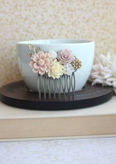 Dusty Pink Mum Taupe Rose Ivory White Pearl Brass Leaf por Marolsha