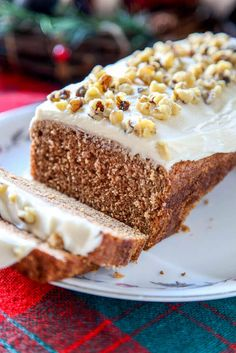 This Starbucks Gingerbread Loaf is a moist gingerbread cake that has just the right amount of spice with a rich cream cheese frosting on the top! via @bestblogrecipes