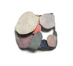 Brooch by Emma Price & David Neale Contemporary Jewellery, Modern Jewelry, Jewelry Art, Jewelry Accessories, Jewelry Design, Contemporary Art, Jewelry Ideas, Sculpture, Wearable Art
