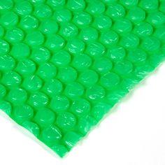 BURBUJA EMBALAR El plástico de burbujas es un termoplástico hecho de dos capas de polietileno en forma de burbujas que retienen el aire. Gracias a esta característica, resulta un amortiguamiento inmejorable para proyectos de embalaje y la protección de objetos, aunque puede utilizarse para un sinfín de aplicaciones. Outdoor Decor, Home Decor, Cape Clothing, Shape, Packaging, Bubbles, Diy, So Done, Thanks