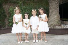 Nuestros niños lucen radiantes en las bodas familiares con vestidos sencillos pero elegantes e intemporales....Flower girls