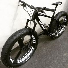 """Mi piace"": 93, commenti: 1 - LLEVANT CARBON BIKES NZ (@llevantcarbonbikes) su Instagram: """" LLEVANT Nero (All Black) Full Fat Full Carbon with LLEVANT Tri Spoke Carbon Wheels ""…"""