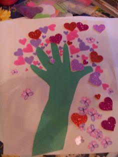 Crafty Moms Share: Hand Love Tree