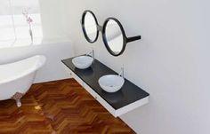 Bril spiegel in de badkamer