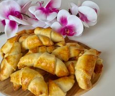 Rogaliki do kawy Sweet Recipes, Snack Recipes, Snacks, Pretzel Bites, French Toast, Chips, Bread, Vegetables, Breakfast
