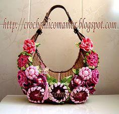 "From the blog ""Croche Lili com amor"", lovely crochet purses, very original!"
