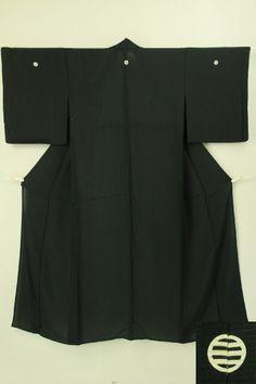 Black lo fabric mofuku and naga-juban set / 黒 絽の喪服と白化繊絽長襦袢のセット   #Kimono #Japan http://global.rakuten.com/en/store/aiyama/