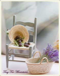 pretty vignette by Tiny Ter Miniatures