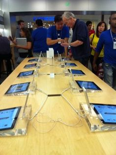 The Five Steps Apple Store Salespeople Take To Sell You An iPhone 5 - Forbes