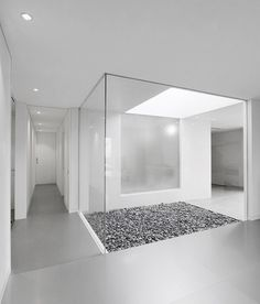 :: INTERIORS :: Takashi Yamaguchi - House in Ise, I love it when a interior courtyard can be incorporated #interiors