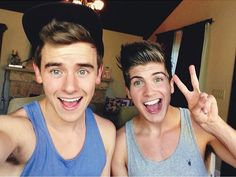 Connor Franta & Joey Graceffa I dled and went to heaven!!!!!