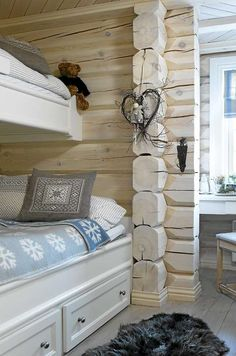 Scandinavian log homes white-washed (pickled) to keep the interior as bright as possible Cabin Interiors, Rustic Interiors, Cabin Homes, Log Homes, White Wash Walls, Home Interior, Interior Design, Cabins And Cottages, House In The Woods