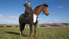 A three-piece Harris Tweed suit for a horse is unveiled to celebrate the start of the Cheltenham Festival.