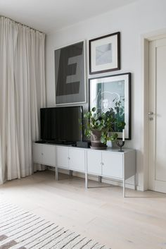 #Goodcompany  #Gogood #Together #scandinavian #sustainability #homeliving #recycling #sustainablehome #sustainableliving #reuse #reuseinterior #greeninterior #modernhome #home #decor #scandinavian #scandinavianinterior  #ombruk #fornybareinteriørløsninger #renewable #modernhome #home #whiteinterior Decor, Storage, Flat Screen, Furniture, Minimalism, Reused Furniture, Solutions