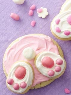 Super cute Bunny Butt Cookies ~ what a fun idea to do with the kids!