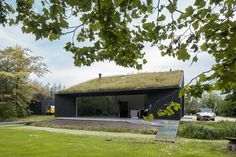 Dutch studio FillieVerhoeven Architects has completed a house near Rotterdam featuring an asymmetric gabled form clad entirely in blackened timber. Wooden Architecture, Minimalist Architecture, Modern Architecture House, Vernacular Architecture, Modern Brick House, Modern House Design, Villa Design, Conception Villa, Facade House