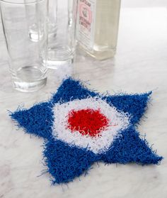 Patriotic Knit Scrubby - This knit star-shaped scrubby is the perfect gift to your host when you are invited to a Memorial Day, 4th of July or watching the Olympics get-together. Of course, it's cool to show your all- American colors any time of the year!