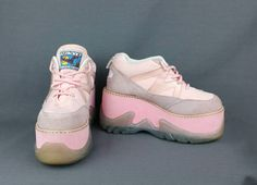 Vintage 90s platform sneakers in pink by DZZACKK by Forenzi. Size 39 (US 8). Like new, super rare. Club kid kawaii vibes for festival season!