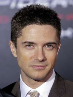 When did Topher Grace get HOT?