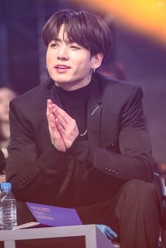 Bts Jungkook, Jungkook Lindo, Taehyung, Jung Kook, Foto Bts, Busan, K Pop, Bts Memes, Yoonmin