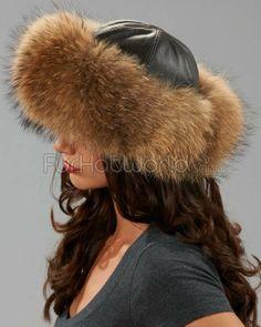 Damenmütze aus finnischen Waschbär / Bojarin Stil #Pelz #FurFetish #LeatherFetish #FetischLady