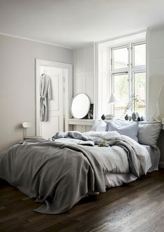 Somehow I can't find my Christmas mojo (yet?) and instead I'm being drawn to these Spring 2017 images by HM Home styled by Lotta Agaton and shot by Pia Ulin Cozy Bedroom, Bedroom Inspo, Bedroom Decor, Bedroom Ideas, Bedroom Furniture, Bedroom Pictures, Bedroom Rustic, Bedroom Inspiration, Bedroom Wall