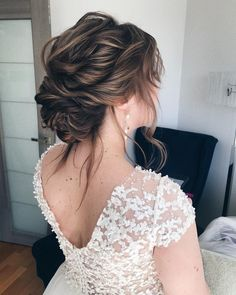 51 Beautiful Bridal Updos Wedding Hairstyles For A Romantic Bride hairstyles theme 92 Drop-Dead Gorgeous Wedding Hairstyles For Every Bride To Be Bridal Updo, Wedding Updo, Wedding Themes, Wedding Colors, Braided Hairstyles, Wedding Hairstyles, Gorgeous Hairstyles, Winter Bride, Messy Updo