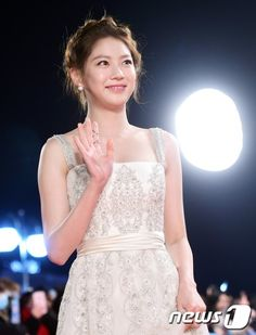 Gong Seung Yeon confirmed as female lead in tvN's 'Circle' + Lee Kikwang joins lineup Gong Seung Yeon, Lee Jong Hyun, Korean Actresses, Actors & Actresses, My Only Love Song, Red Carpet Dresses, Beauty Queens, Korean Drama, Asian Beauty