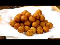 Alisha Grover shared a video Easy To Make Snacks, Dinners To Make, Easy Meals, Breakfast Recipes, Snack Recipes, Dinner Recipes, Potato Croquettes, Bangladeshi Food, Tea Time Snacks