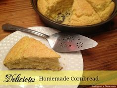 This is a simple and easy homemade cornbread recipe. Learn how to make cornbread from scratch. You won't believe how easy is it to make homemade cornbread. Best Cornbread Mix, Sweet Cornbread Muffins, How To Make Cornbread, Homemade Cornbread, Homemade Dry Mixes, Homemade Sauce, Baking Recipes, Bread Recipes, Baking Hacks