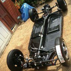 Wheels on rolling floorpan Wv Car, Volkswagen Beetle Vintage, Porsche, Vw Super Beetle, Vw Engine, Vw Parts, Cafe Racing, Buggy, Vw Beetles