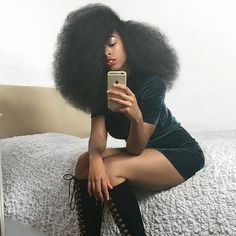 In love with this afro Pelo Natural, Natural Hair Tips, Natural Hair Inspiration, Natural Hair Journey, Natural Hair Styles, Natural Hair Blowout, My Hairstyle, Afro Hairstyles, Hair Updo