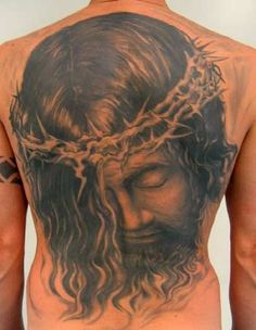 Jesus on back with crown of thorns in black and grey Great Tattoos Full Back Tattoos, Full Body Tattoo, Arm Tattoos For Guys, Great Tattoos, Holy Tattoos, Mens Body Tattoos, Torso Tattoos, Tattoos Arm Mann, Tatoos