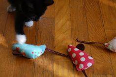 Tiny House: Cat Toy Tutorial