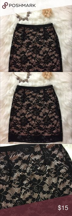 Black floral lace pencil skirt NWT 💐🌟 f21, sexy lace skirt is 18 inches long, size small, side zipper, soft silky attached lining, aside from the lining underneath this skirt does not really stretch. for sizing reference at the waist area, i wear a size 0-2 at Express & the limited & size 2 American eagle high waist jeans & this fits me. let me know if you have further questions or any other measurements. Forever 21 Skirts