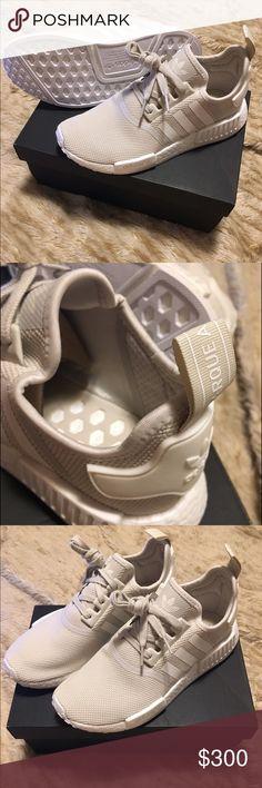 designer fashion d97f6 fb60d Custom Adidas NMD R1 x Gucci BEE Black kicks Adidas