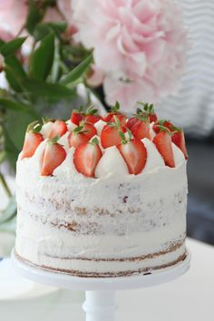 leilas jordgubbstårta recept