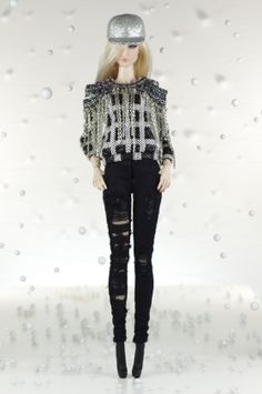 30. Total look - Blouse, jeans, shoes, hat (FR2 size)