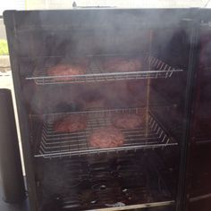 Bradley Friends and Photos 2.0! Smoking hamburgers in a Bradley Smoker!